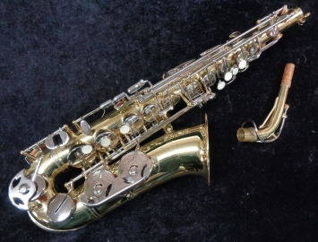 Selmer AS-300 Beginner Alto Sax in Excellent Shape - Serial # 1348852