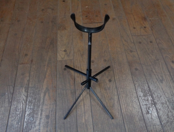 WoodWind Design Carbon Stand for Tenor Saxophone - In the Bell Storage