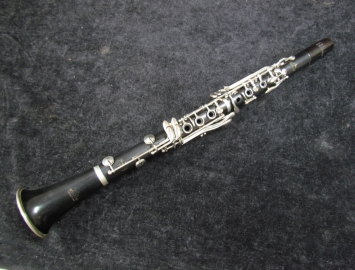 Step-Up Wood Leblanc Noblet 40 Series Bb Clarinet - Serial # B70520