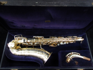 Beautiful! Vintage Gold Plated Martin Handcraft Committe Skyline Alto Saxophone, Serial #114788