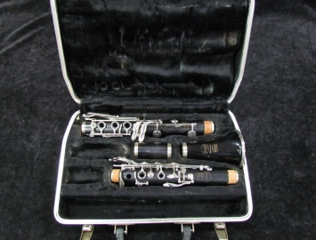 Great Step Up! Selmer Signet Wood Bb Clarinet – Ready to Play Serial #69383