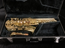 Very Pretty! Yamaha YAS-52 Alto Sax in Gold Lacquer – Post Purple Logo, Serial #006038