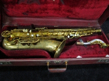 Vintage Original Lacquer King Super 20 Pearl Side Keys Tenor, Serial #320870